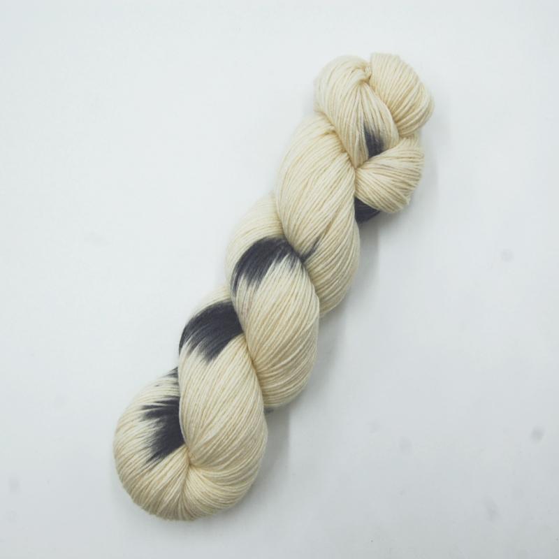Schneeule - Handgefärbte Wolle