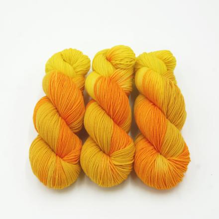 Handgefärbte Wolle - Farbularasa - gelb