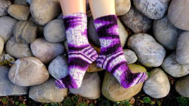 Handgefärbte Wolle Amethyst - Farbularasa - Monatsfärbung