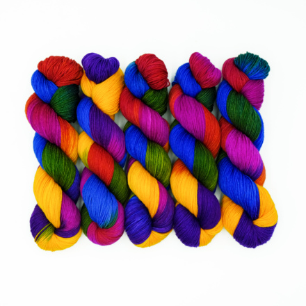 Handgefärbte Wolle - Farbularasa - Monatsfärbung - Stränge