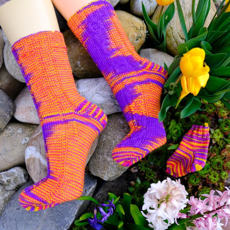 Flower Power - Handgefärbte Wolle - Farbularasa - Monatsfärbung